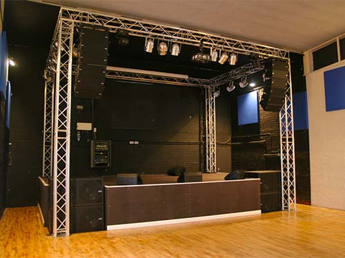 Picture of line array system, lighting and stage truss system and stage